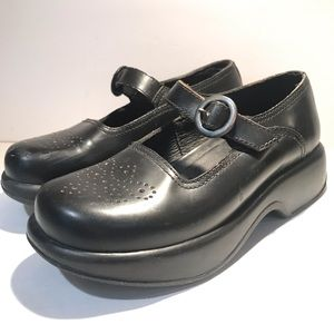 Dansko May Jane Black Leather Clog Size 6.5